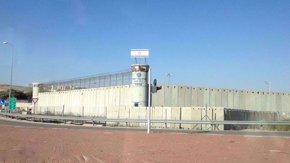 100 Palestinian inmates in Israeli prison to start mass hunger strike
