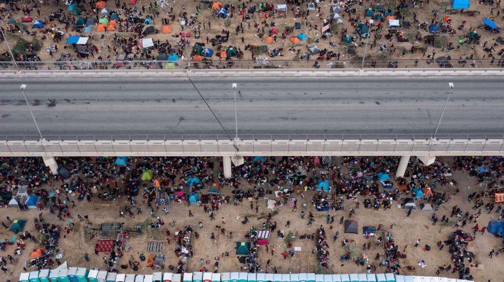 Trump says US becoming 'cesspool of humanity' over border crisis