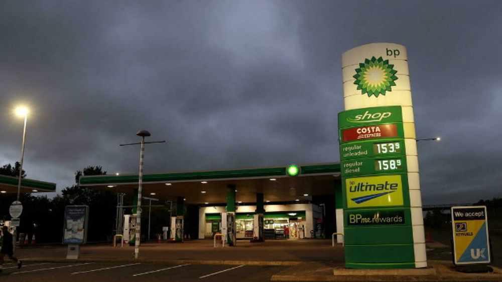 Several UK petrol stations close due to lack of truck drivers