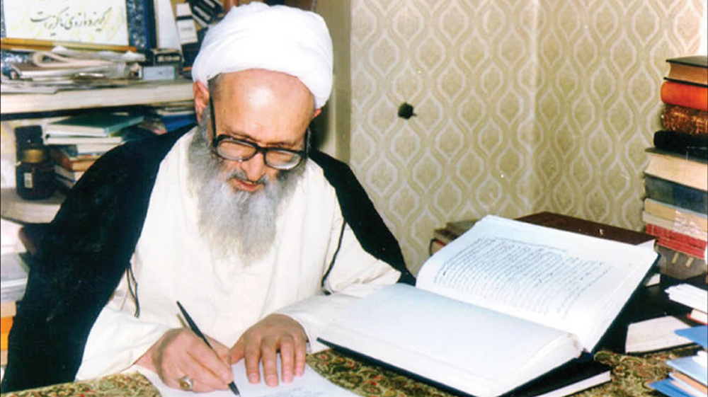 Senior Iranian cleric Ayatollah Hassanzadeh Amoli passes away