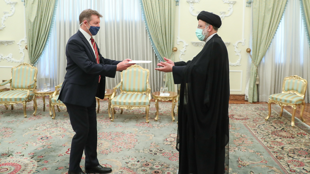 Raeisi tells Persian-speaking UK ambassador to explain meaning of Iran being independent to London