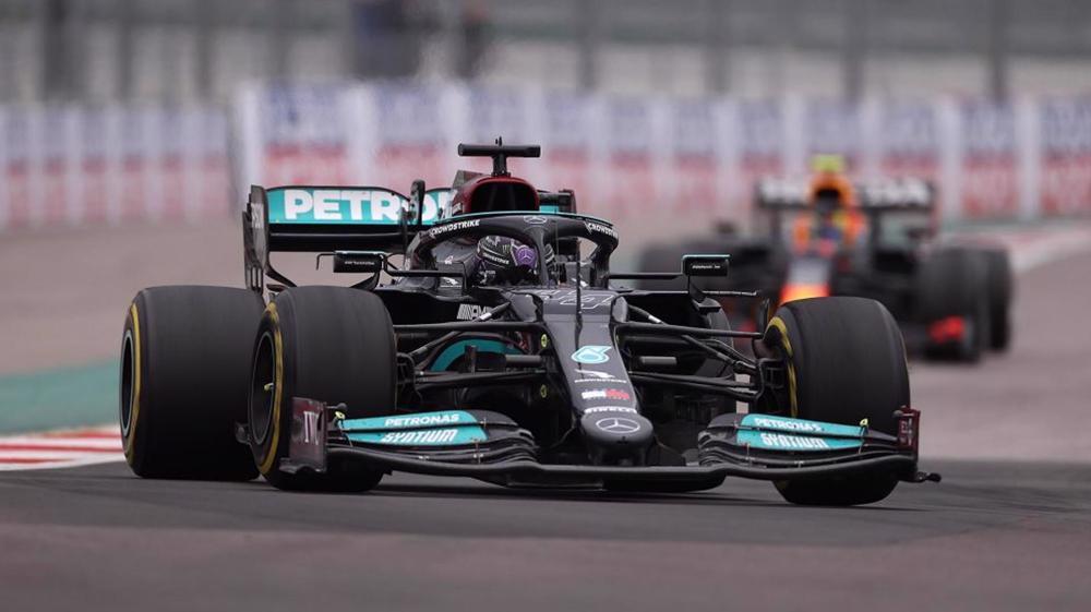 Russian Grand Prix: Hamilton takes 100th F1 victory