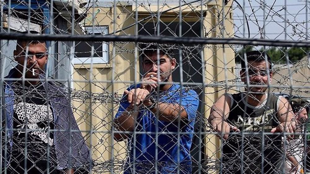 Palestinian prisoners in Israeli jails go on hunger strike, boycott courts