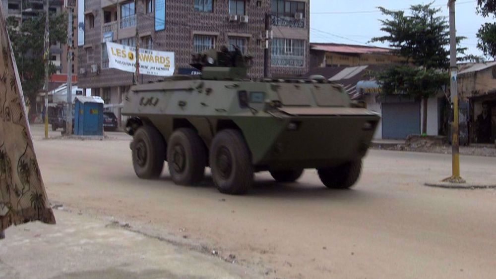 Soldiers claim Guinea constitution, govt. dissolved in apparent coup