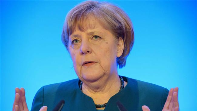 'Merkel pursues disastrous policy for Germany'