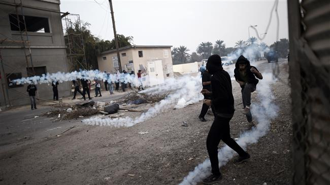 Bahrain police clash with protesters in Nuwaidrat
