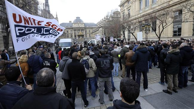 Parisians rally against ongoing police brutality