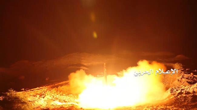 Yemeni forces target Saudi base with ballistic missile