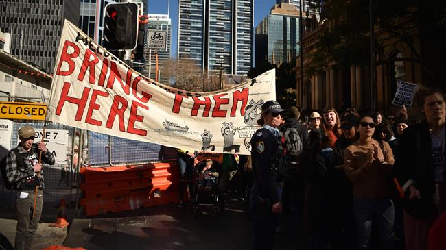 Thousands protest anti-refugee policy in Australia