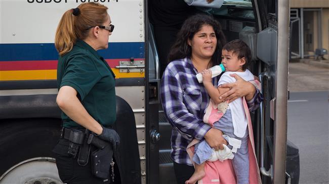 Judge slams US govt. for not reuniting migrant families