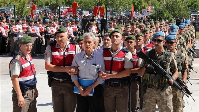 Turkey detains 74 on-duty soldiers over Gulen links