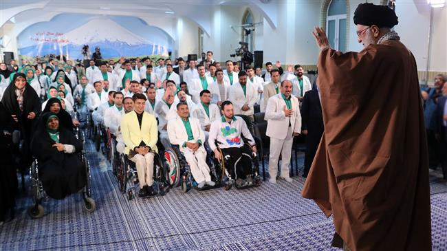 Leader pays tribute to Iran's Paralympic athletes
