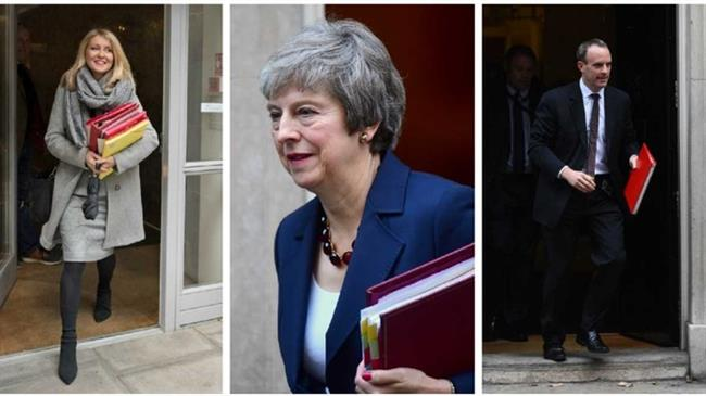 Chaos in May's cabinet as Brexit, Work ministers resign