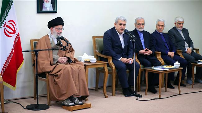 Leader says Iran must increase pace of scientific progress