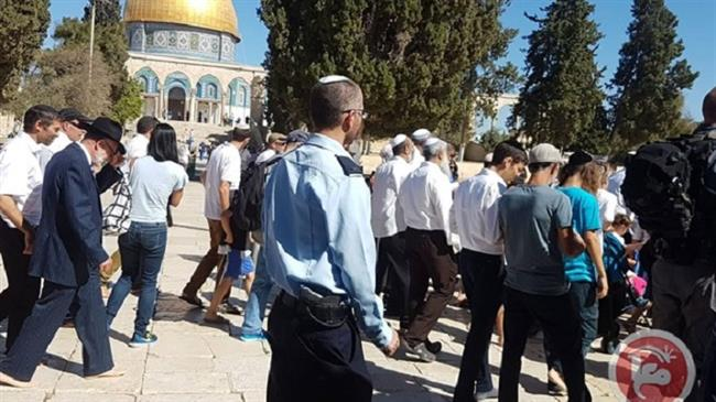 Israeli settlers storm Aqsa Mosque in latest provocation