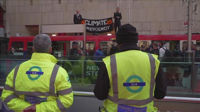 Climate change activists paralyze London