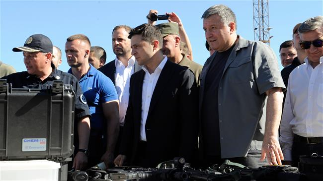 New Ukraine president visits areas likely to incense Russia