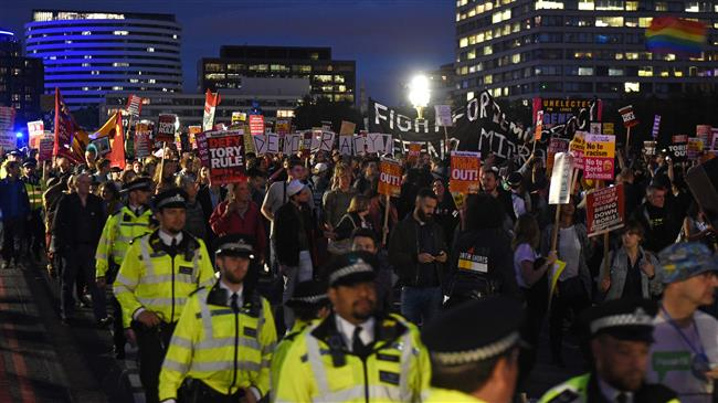 Protesters march on UK Parliament before no-deal vote