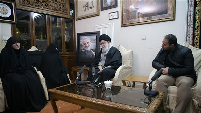 Leader pays visit to Soleimani home to condole with his family