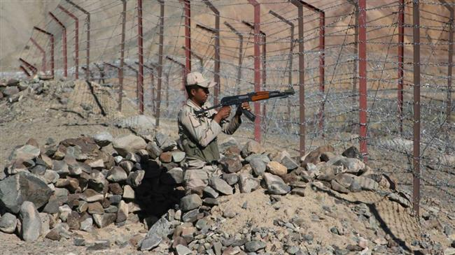 Two Iranian border guards killed in clashes with terrorists