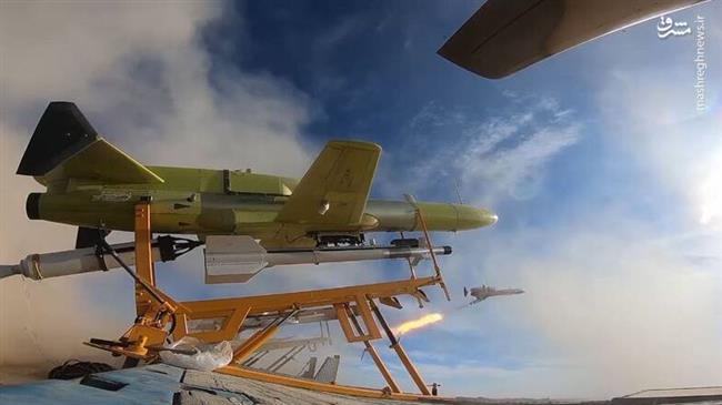 Nuées de drones iraniens tonnent ...