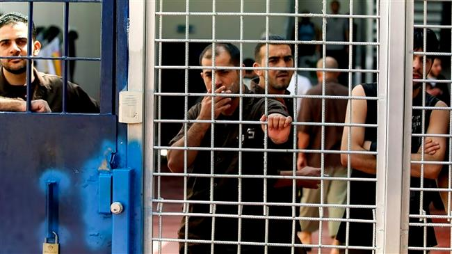 Gazans express solidarity with Palestinian detainees languishing in Israeli custody