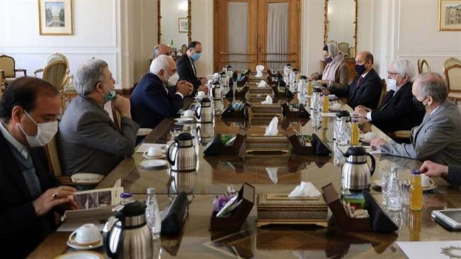 Zarif: Iran supports UN efforts to resolve crisis in Yemen