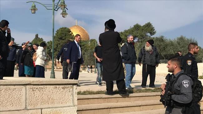 Hamas, resistance groups call for confronting Israeli raid on Aqsa Mosque