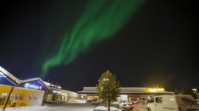 Rumbling meteor lights up Norway