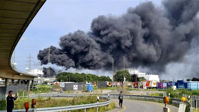 One dead, four missing after explosion rocks German chemicals site