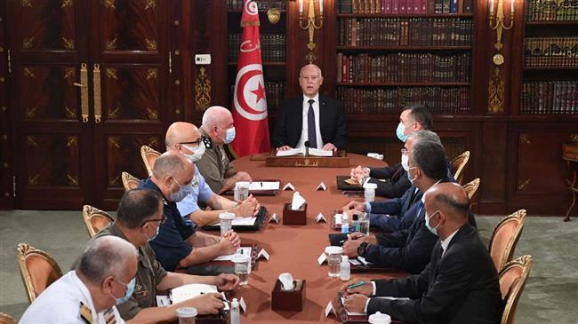 Tunisie: coup d'Etat ou coup de balai?